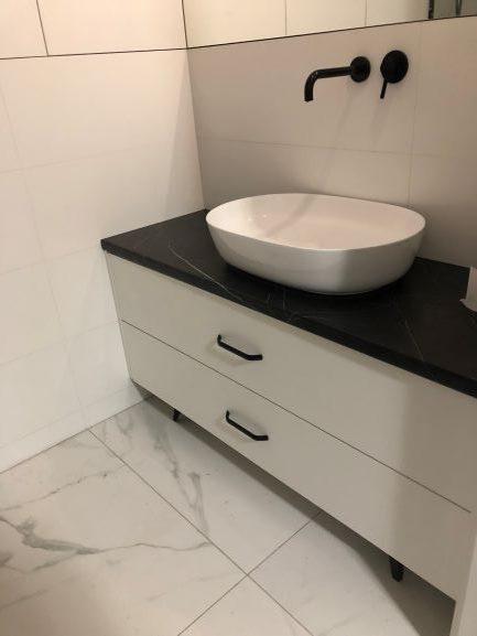 Szafka łazienkowa pod umywalkę